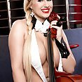 Virtuoso Big Tits - image control.gallery.php