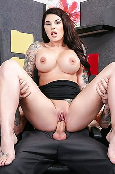 Tattoed Girl Fucked At THe Office