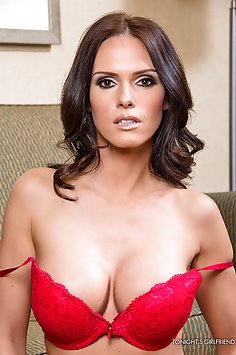 Jennifer Dark Is Tonights Girlfriend