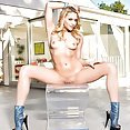 Sexy and Nude Mia Malkova - image control.gallery.php