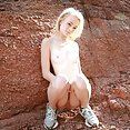 maddy rose gets off outdoors - image control.gallery.php