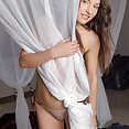 Virgin Pussy and the Vibrating Toy - image control.gallery.php