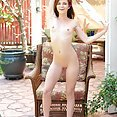 Emma Stoned Outdoor Pussy - image control.gallery.php