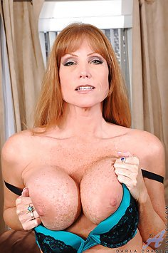 Hot MILF uses Her Glass Dildo to get off