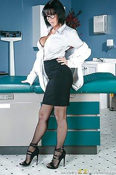 Dr Veronica Avluv M.I.L.F