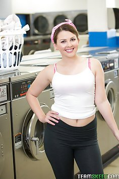 Cali Hayes Licked Out At the Laundromat