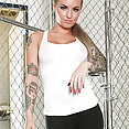 Christy Mack Loves Her Dildo - image control.gallery.php